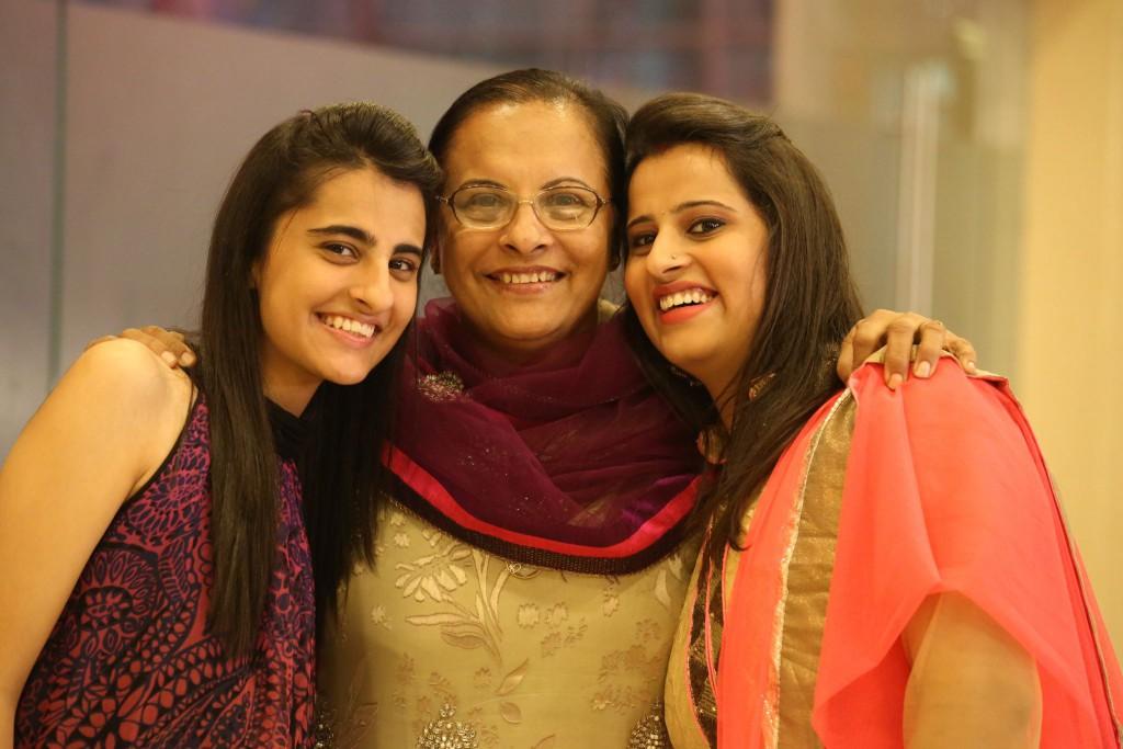 Priyal, Chaaipani, Chai Pani, Entrepreneurship, Single mother, Single parent, widow, mother-daughter story