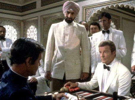 Roger Moore, James Bond, Octopussy