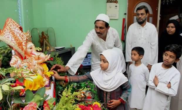 ganesh chaturthi, hindu muslim, communal harmony, brotherhood, positive stories, change in India. secular, love, peace
